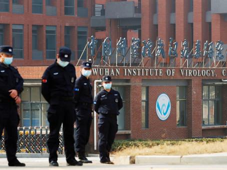 China acusa EUA de mentir sobre a origem do vírus, comparando com a invasão ao Iraque