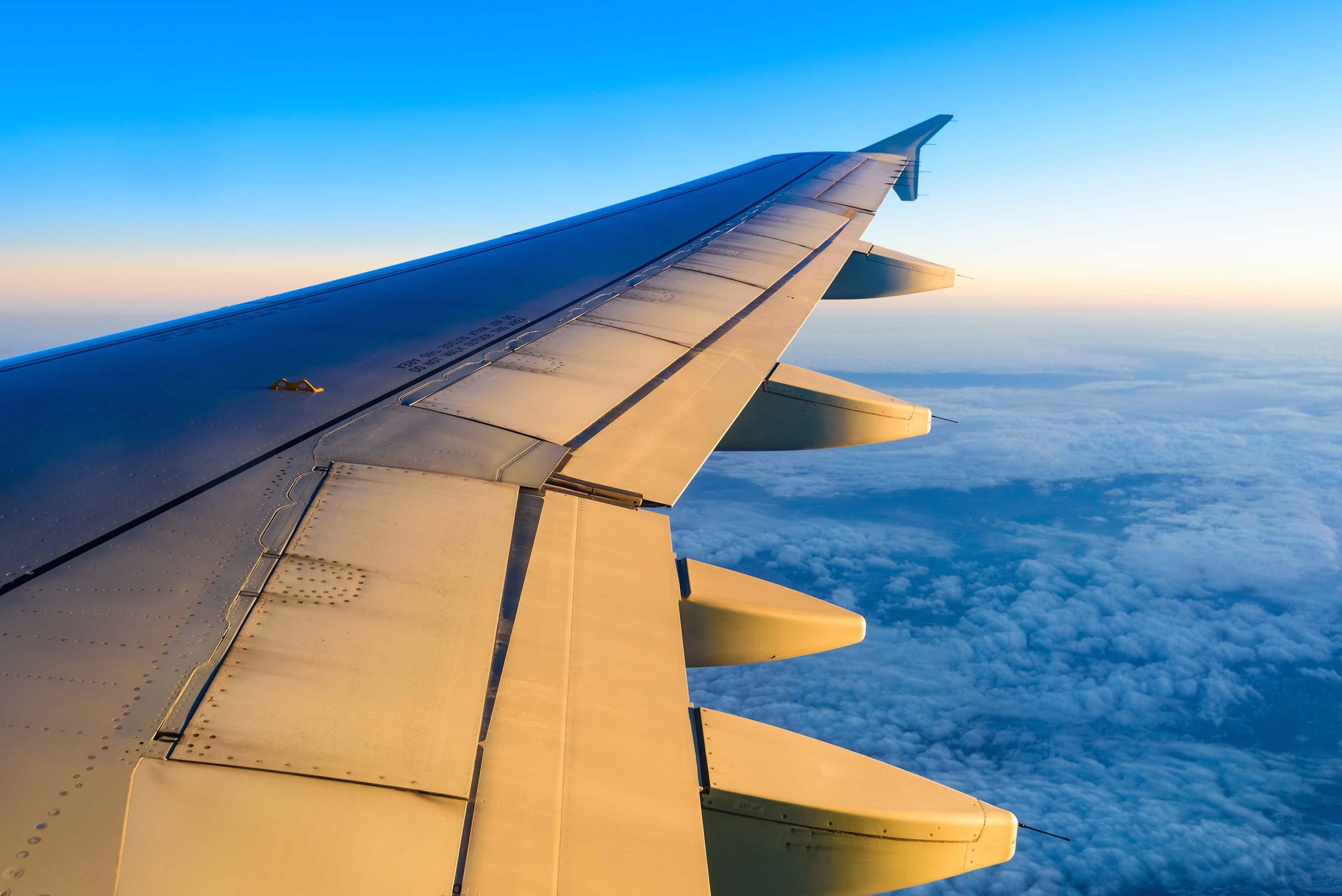 shutterstock_393344725_plane-wing