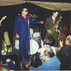 2000 lbs of blues  www.2000lbsofblues.com Kid Ramos, Pink Arguello & Jeff Turmes
