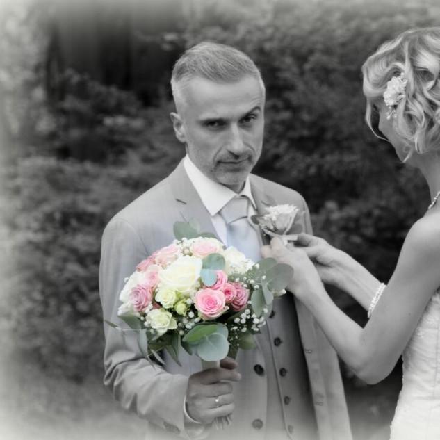 Elegante Brautfrisur für mittellanges Haar
