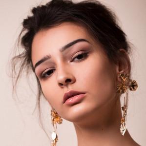 Photographer: Kylie Reimchen Model : Tneesha of Klass Models