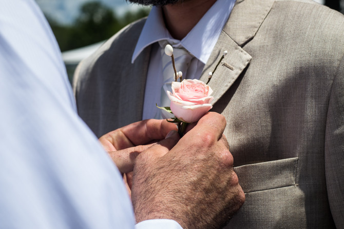 Boutonnière - fashion or tradition?