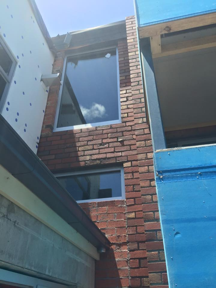 Fixed windows in an apartment