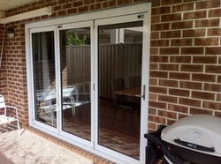 Three leaf bi fold doors