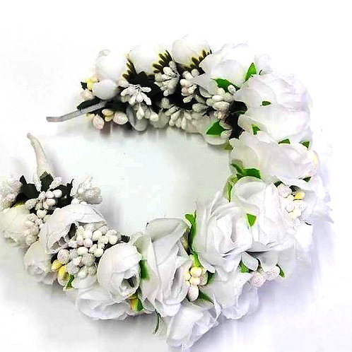 Couronne des roses blanches