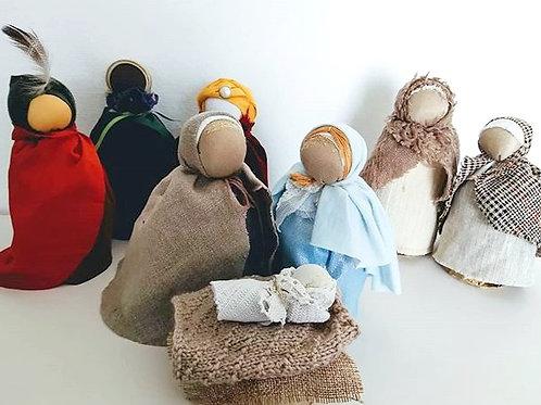 Santons de  Noël Lot des huit poupées