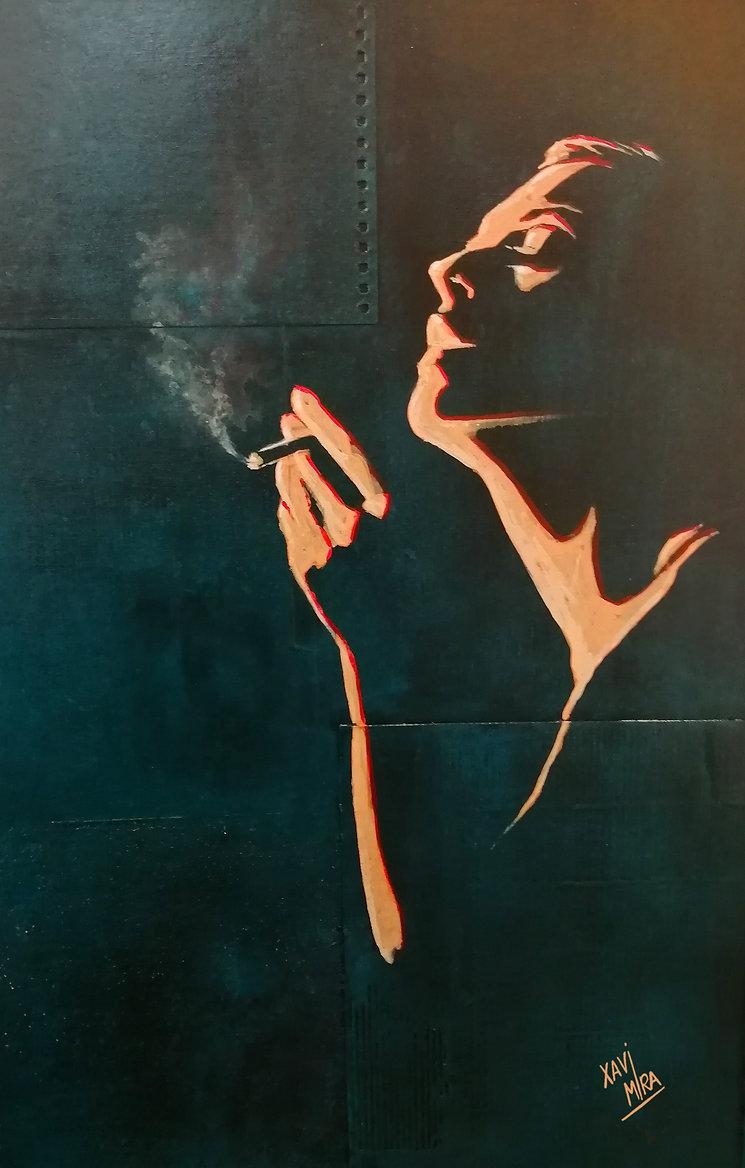 Ana fumando.jpg