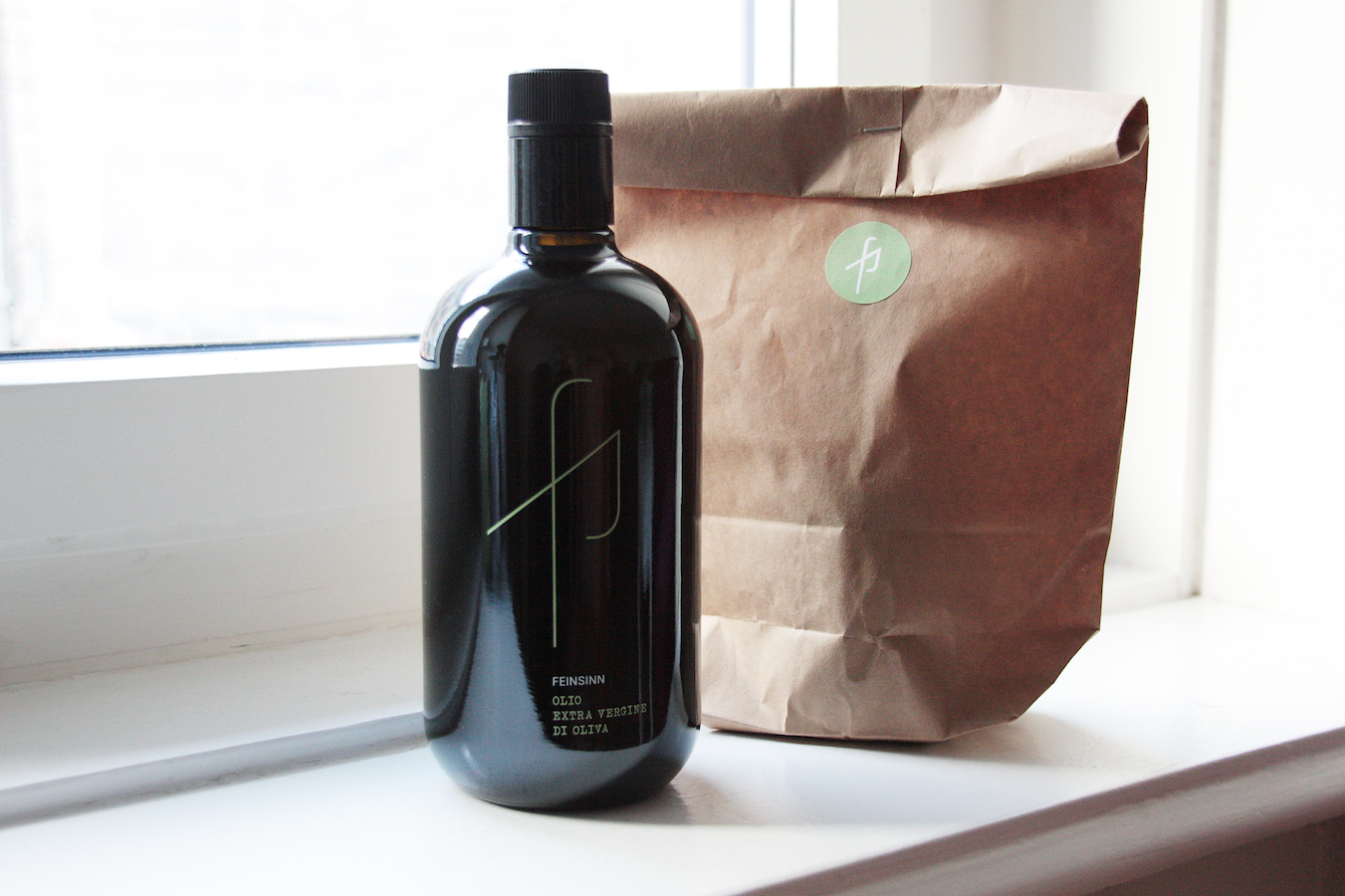 BOTTLE WITH GIFT BAG
