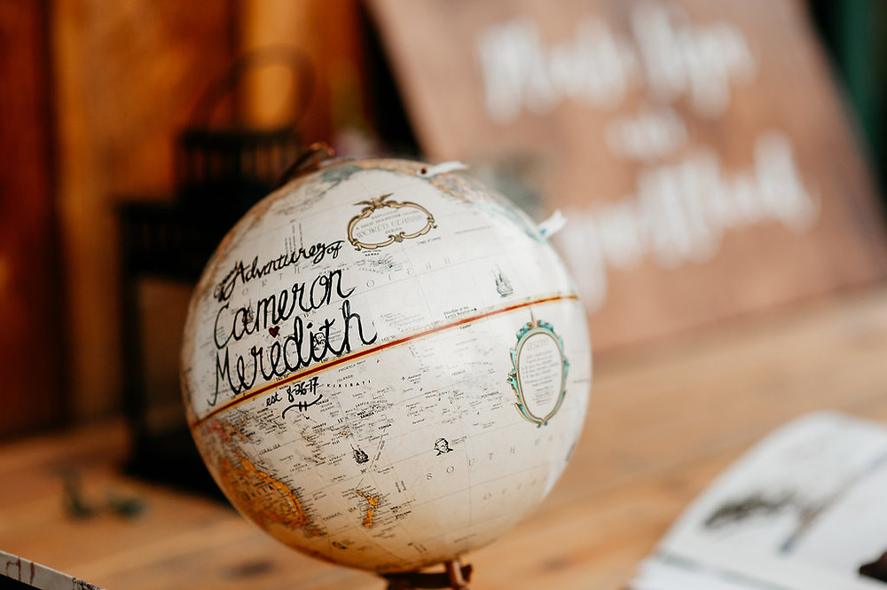 Snohomish Wedding | Globe decorations | Adventurous Couple