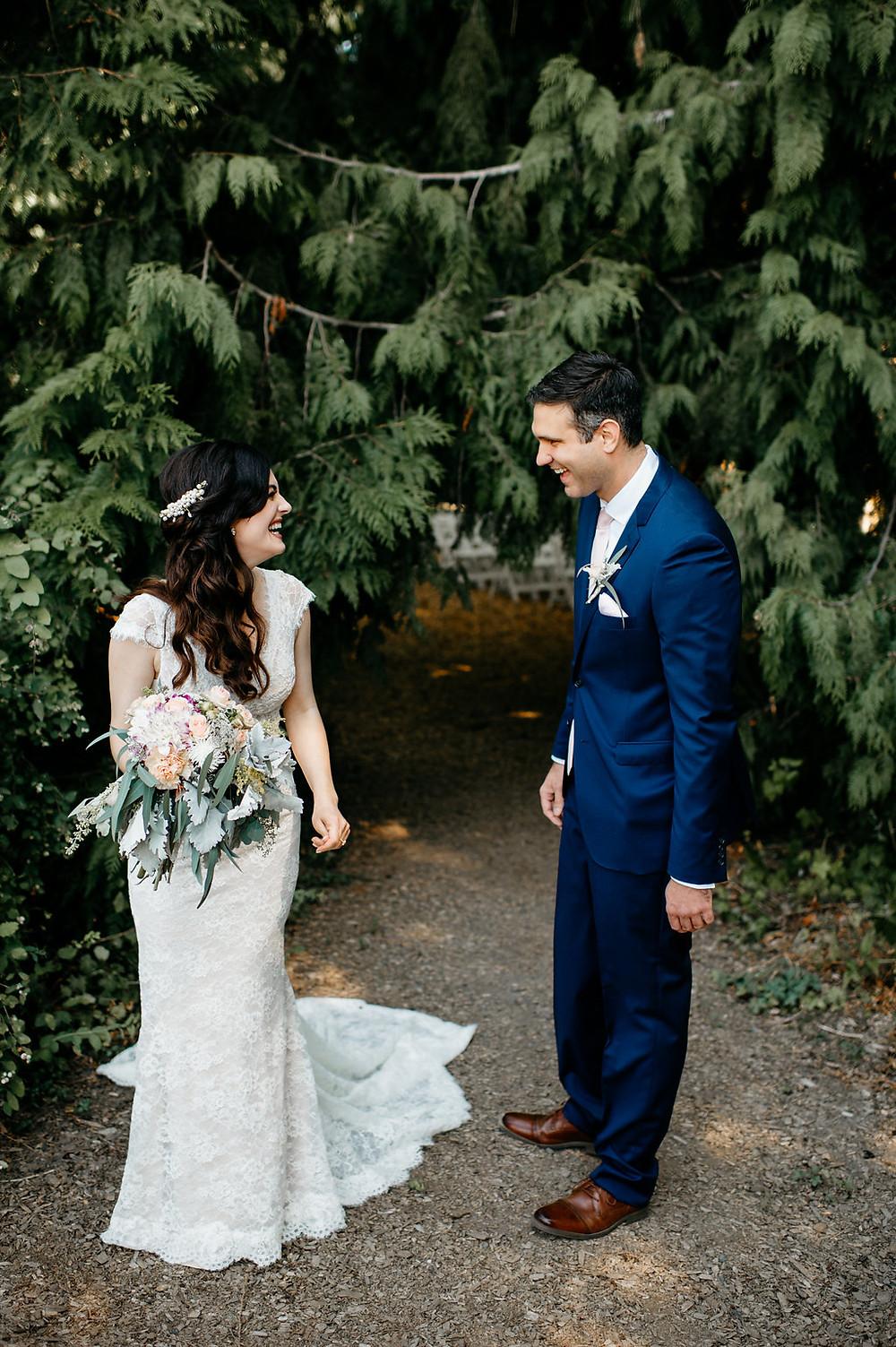First Look | Twin Willow Gardens | Snohomish, WA Wedding Planner Coordinator