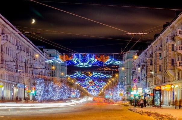 Новогодний наряд проспекта Ленина