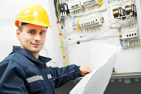 Electrical-Contractor-1024x681.jpg