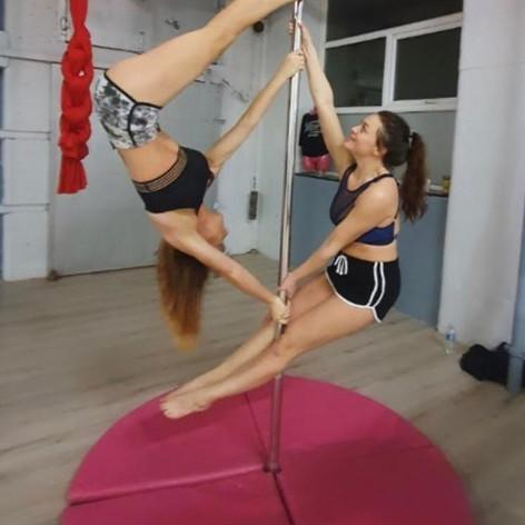 Doubles Pole Dancing