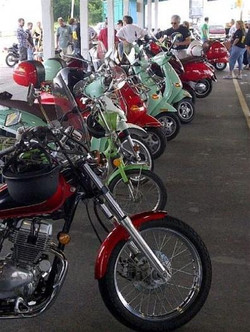 _wsb_396x527_Atown+line+of+bike+Jerry18+crop