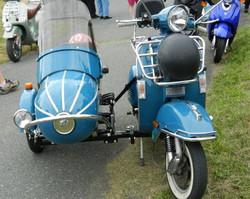 _wsb_561x448_2012+Atown+scoots6+blue+side+car