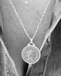 Collier pendentif Postume Rubis-monnaie