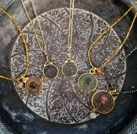 Colliers pièces de monnaies anciennes - Empire Romain