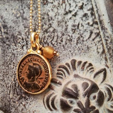 Collier pièce de monnaie ancienne - Empire Romain