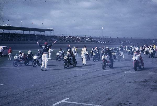 Daytona startline 68.jpg