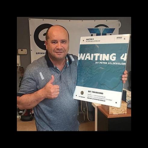 """""""Waiting 4"""" Finally Gold - Peter Gelderblom"""