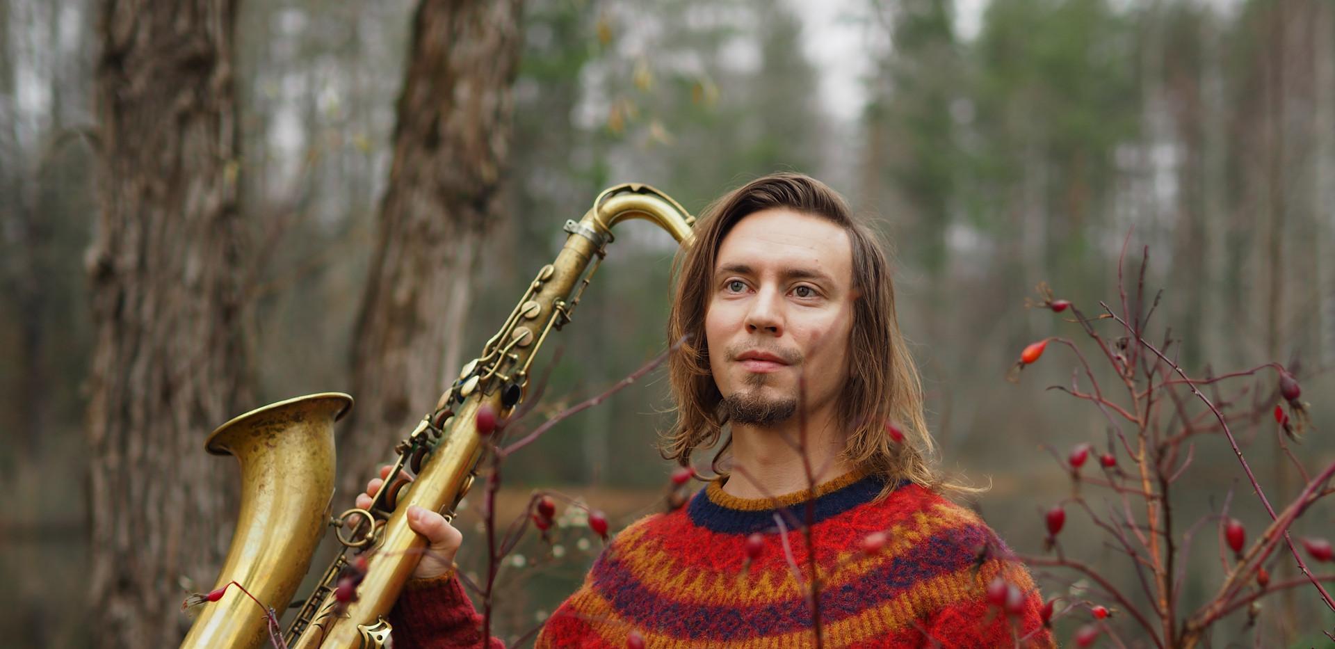 Pauli Lyytinen, Red November