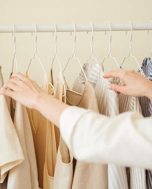 Kleider hängen