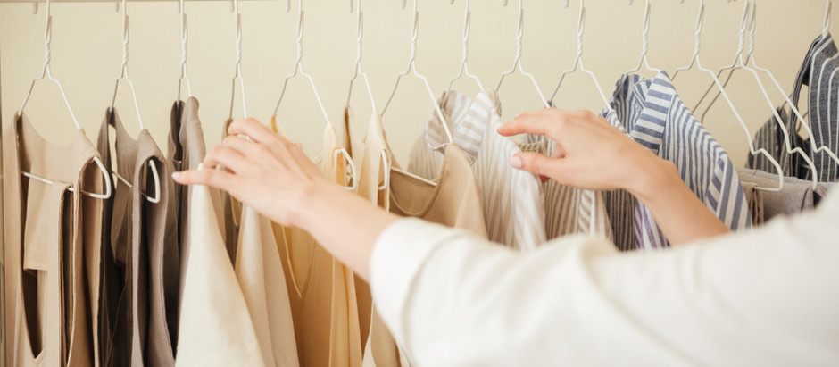 7 Tips For a Clean Closet and Essential Wardrobe