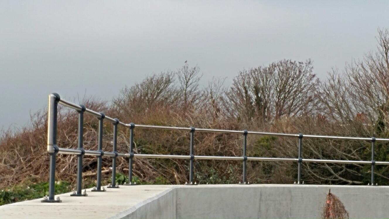KITE Projects - Shoreham - KITE Stainless Steel Handrail.jpg