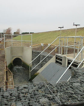 KITE Projects - Shoreham Adur Tidal Walls - KITE Clamp Handrail