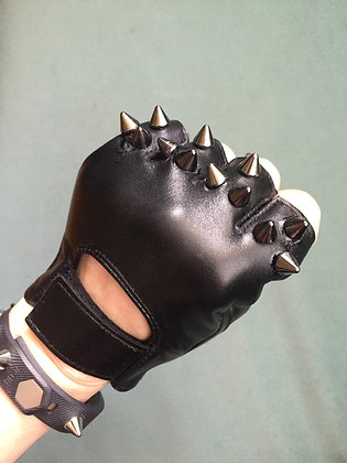 Black Leather w 3 Black Spikes
