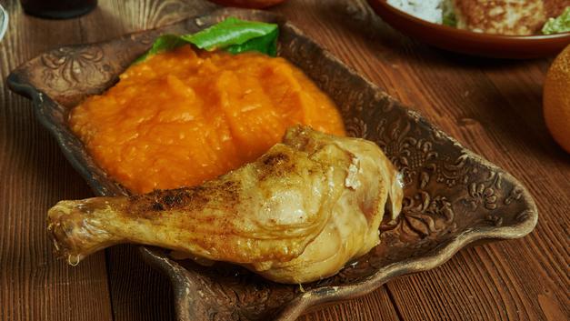 Poulet mijoté et purée de patate douce carotte et lait de coco