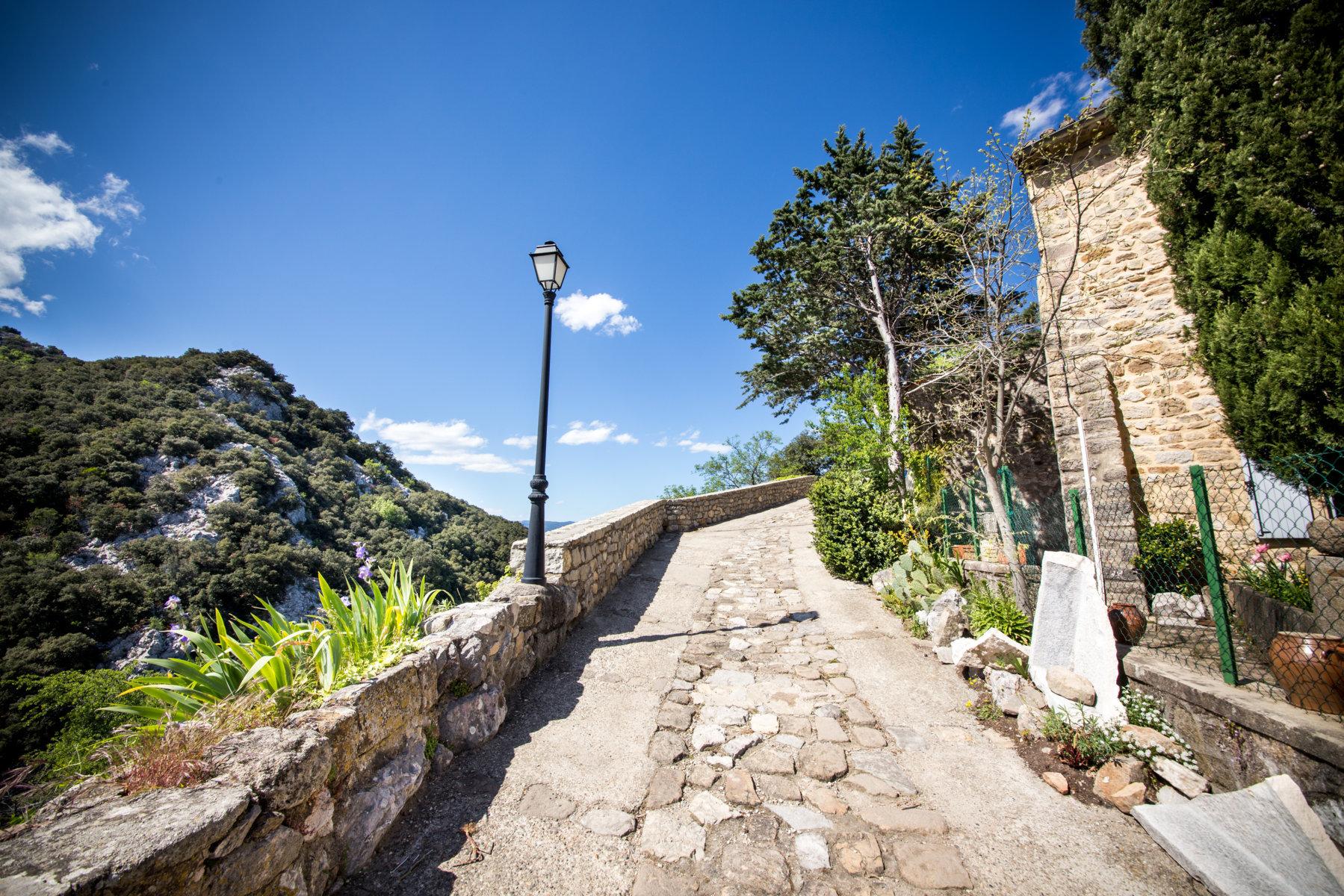Le chemin du château