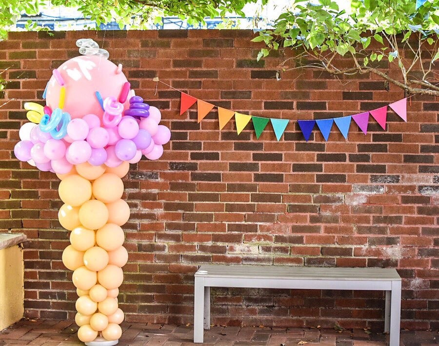 A balloon wall made by Brooklyn Balloon Girls