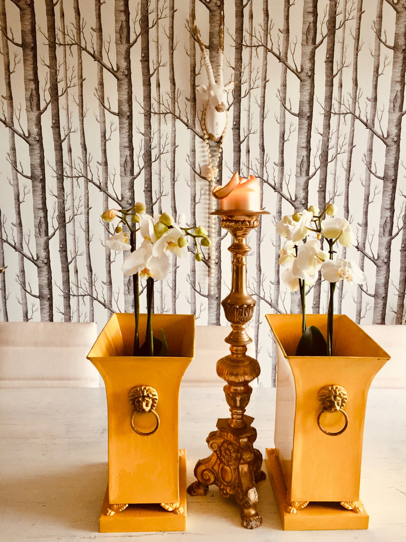 Wall Design with Pearl Decorated Art