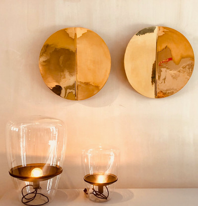 2 art objects with lamp