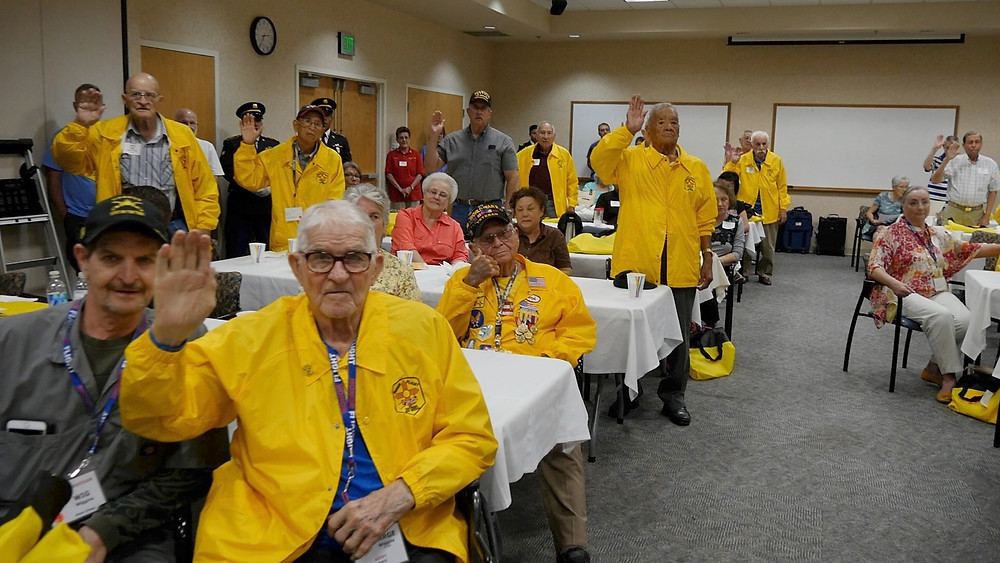 Honor Flight Veterans take Oath at Pre-flight training 2017