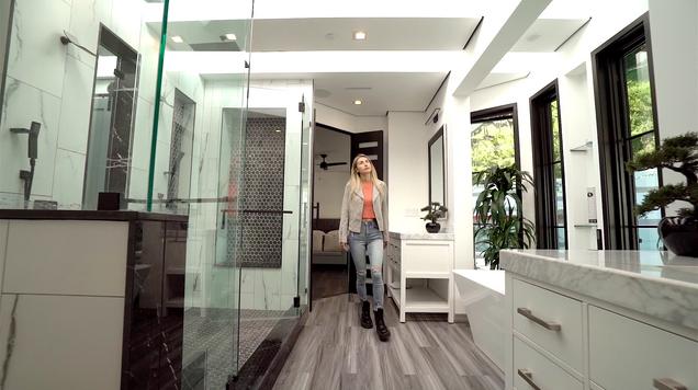 Custom Contemporary Home (real estate)