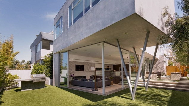 Modern Sun-Drenched Custom Built Architectural Home (real estate)