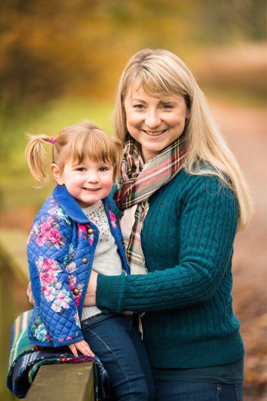 best-aberdeen-family-children-photographer-stonehaven-mother-daughter-photo-session-in-dunnottar-woods