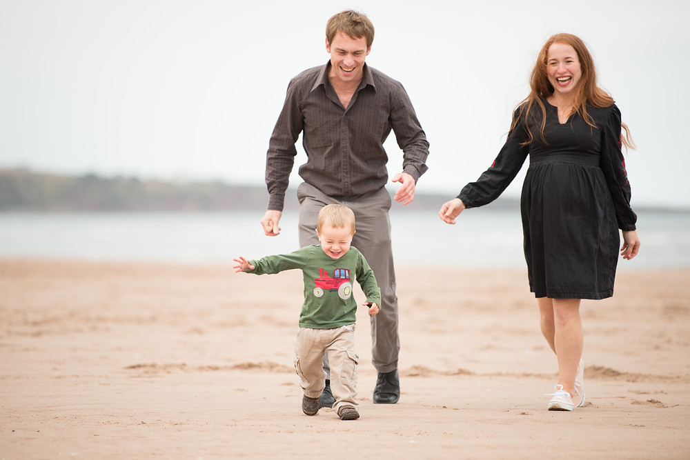 Best-aberdeen-family-children-photographer-montrose-arbroath-aberdeenshire-beach-outdoors-dad-and-son-st-cyrus