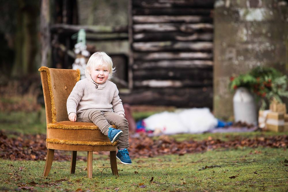 best-aberdeen-family-children-photographer-montrose-outdoor-christmas-family-photo-session-the-burn