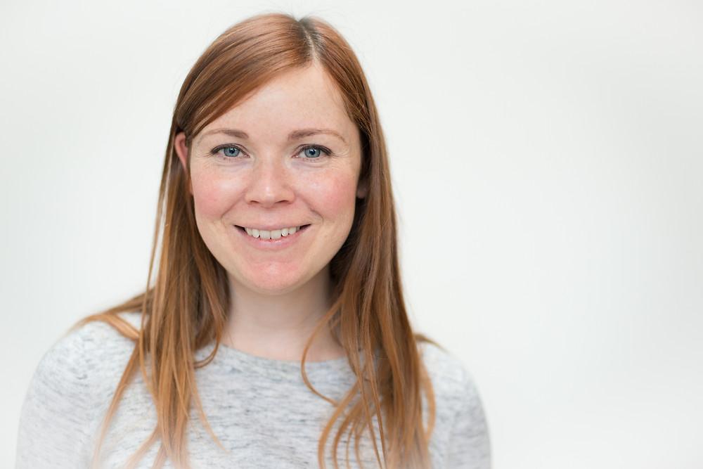 Best-aberdeen-corporate-headshots-photographer-montrose-arbroath-aberdeenshire-indoors-natural-light-mobile-studio-smiling-woman