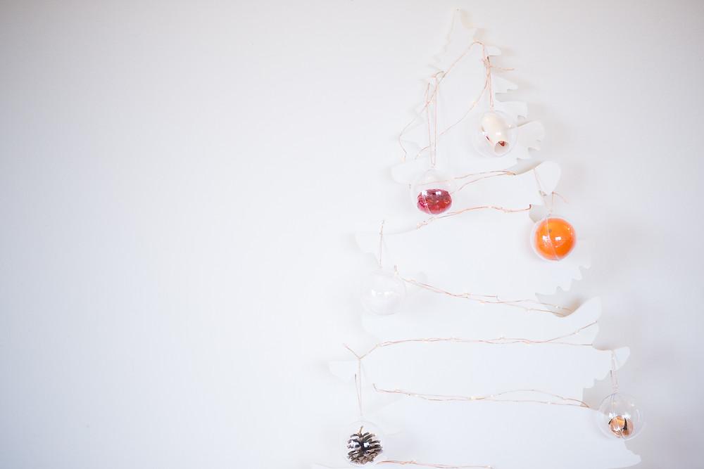 Best-aberdeen-family-children-photographer-montrose-arbroath-diy-advent-calendar-christmas-crafts-cox-and-cox-clear-baubles