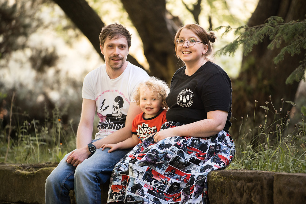 Best-aberdeen-family-children-photographer-montrose-arbroath-outdoors-natural-light-happy-family-sitting