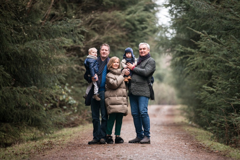 aberdeen-family-photographer-montrose-group-in-laurencekirk-woods