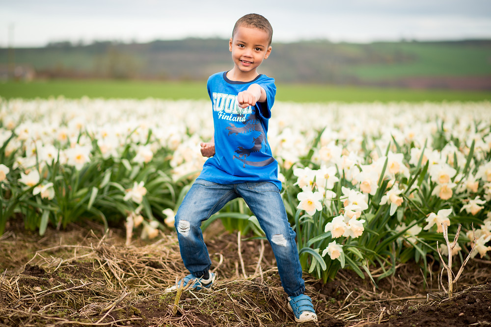 aberdeen-child-photography-daffodil-field-boy-karate