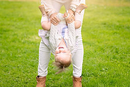 aberdeen-family-photographer-girl-upside