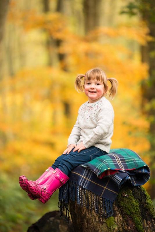 best-aberdeen-family-children-photographer-stonehaven-natural-light-girl-in-dunnottar-woods