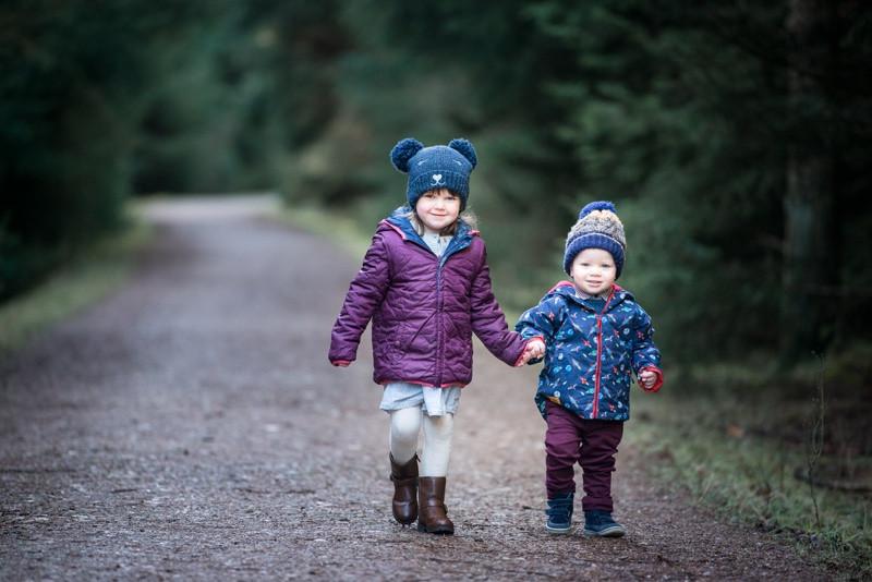 aberdeen-angus-family-photographer-denlethen-woods-near-laurencekirk-boy-girl-holding-hands