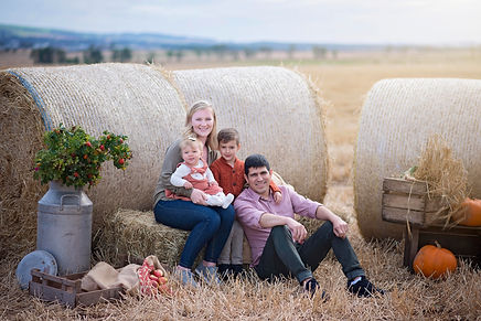 aberdeen-family-photoshoot-autumn-field-hay-bales-pumpkins-farm-westerton